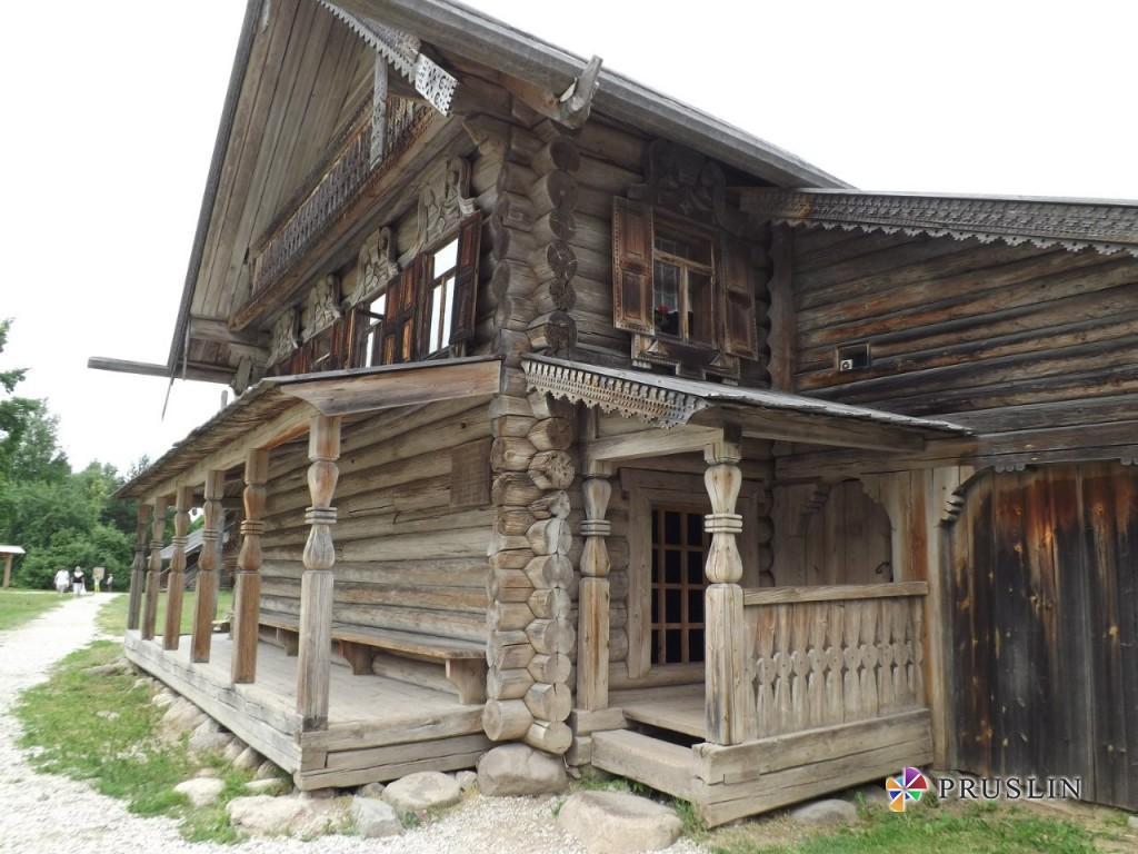 Настоящая русская изба в Витославцах