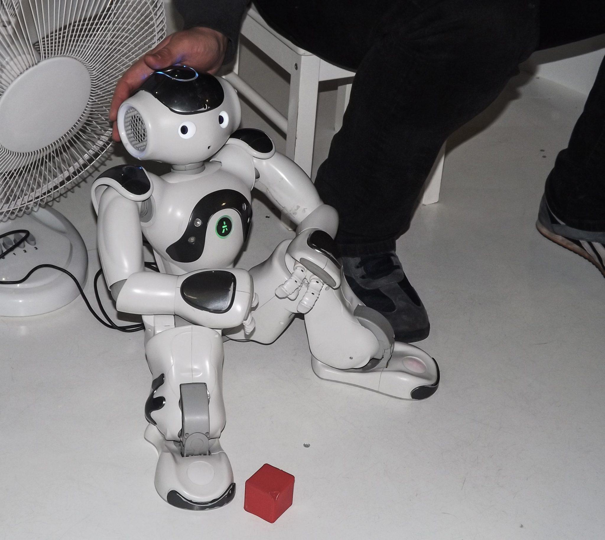 Замена роботами человеков
