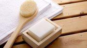 Что такое сухой пилинг для тела и чем он лучше обычного