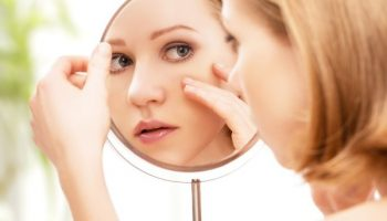 Как правильно скрыть с помощью макияжа следы аллергии и простуды на лице