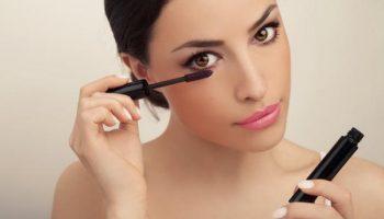 Какие ошибки макияжа визуально уменьшают и сужают глаза