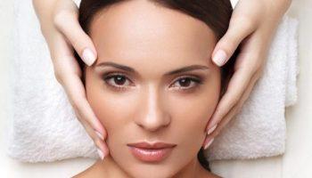Как делать подтягивающий массаж для лица против морщин