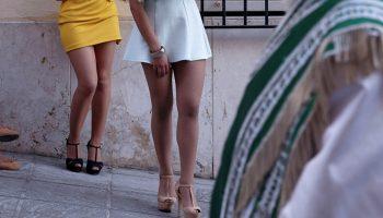 Как носить мини-юбку и не выглядеть вульгарно