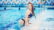 Как уберечь волосы от вредного хлора в воде бассейна