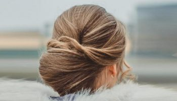 Французский твист: простая причёска на каждый день для длинных волос