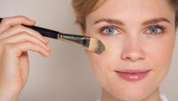 Как наносить плотную «тоналку» и не быть как в маске
