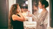 Топ 10 лучших бьюти-подарков для подруг в пределах 500 рублей