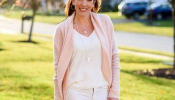 7 стильных образов для женщин 45+ на начало весны