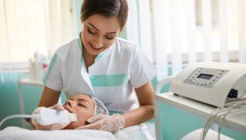 5 самых бесполезных процедур, на которые не ходят сами косметологи