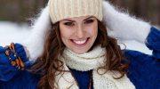 Как сохранить объем волос под шапкой