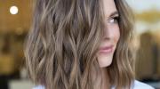 3 вида стрижек, которые визуально превратят тонкие волосы в густые