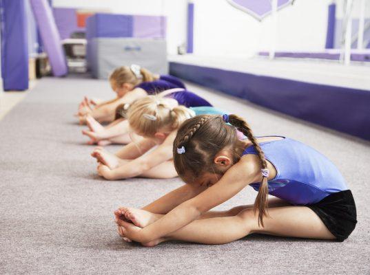 Когда отдавать девочку в художественную гимнастику