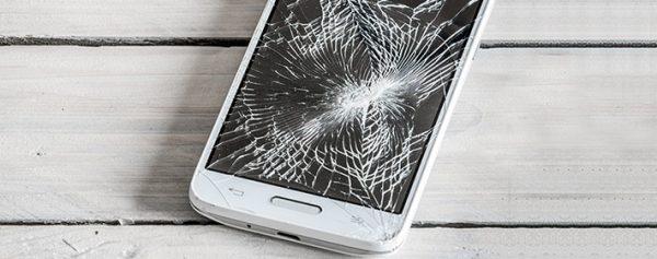 Что лучше — пленка или стекло для телефона